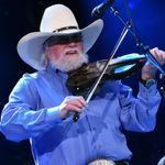 Charlie Daniels Honors Veterans With Photo Exhibit at the Pentagon
