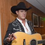 Jon Pardi Details Heartache Medication