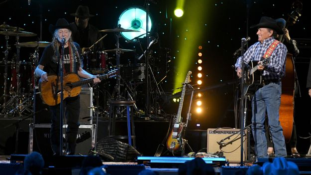 Willie Nelson and George Strait Collaborate Live in Nashville