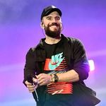 """Allow Us To Introduce You to Sam Hunt's """"Kinfolks"""""""