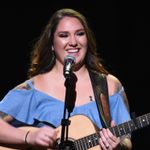 "Garth Brooks' Daughter Shares Her ""Work in Progress"""