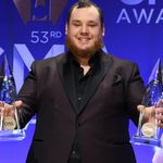 BACKSTAGE AND UPFRONT: Luke Combs