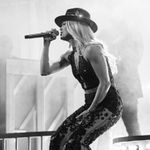 """WATCH: Carrie Underwood Was """"Drinking Alone"""" on NYC's Lower East Side"""