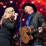 The 19-Song Set List from Garth & Trisha Live