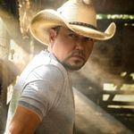 """Jason Aldean Turns Stay-at-Home Date Night Into """"Got What I Got"""" Video"""