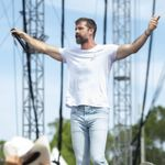 """Walker Hayes Discusses His Forthcoming Book Based on His Song """"Craig"""""""