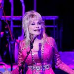 Dolly Parton Returns to Stage and Walks Fans Through Her Songwriting History