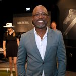 """Darius Rucker Surprises Visitors At Madame Tussaud's With A """"Frightening"""" Halloween Appearance"""