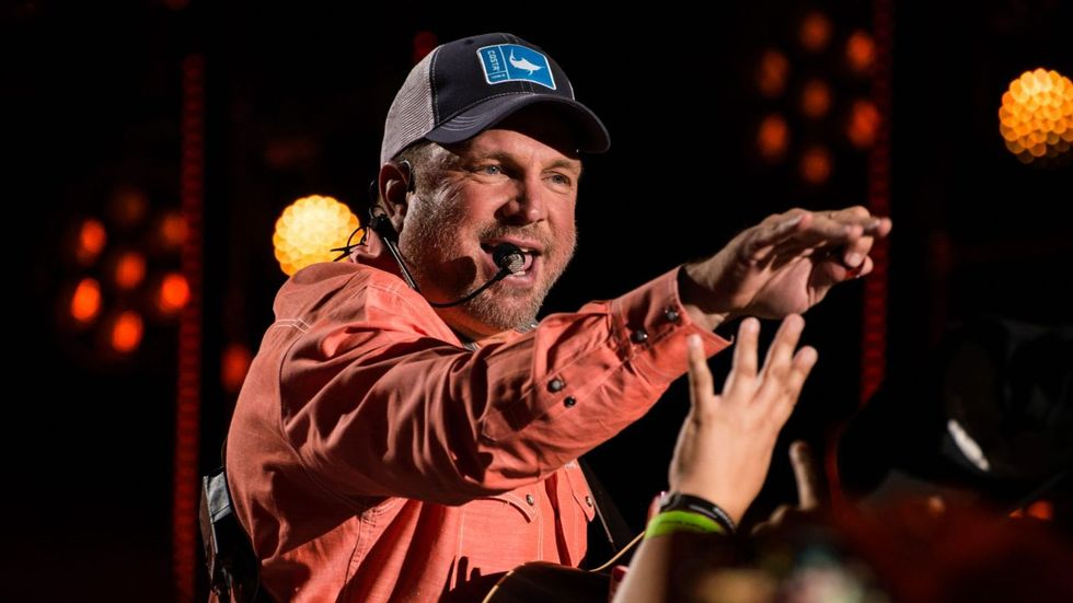 Garth Brooks Claims Top Album and Song This Week | CMT