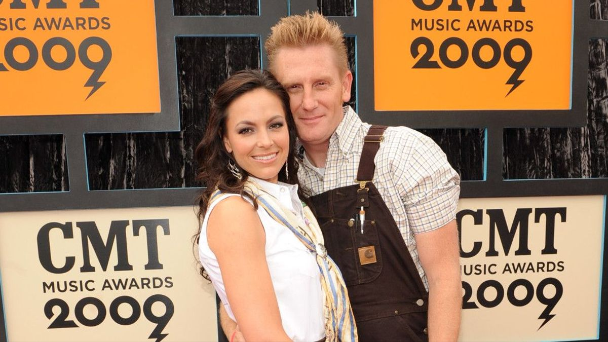 Joey + Rory\'s Joey Feek Loses Battle With Cancer   CMT