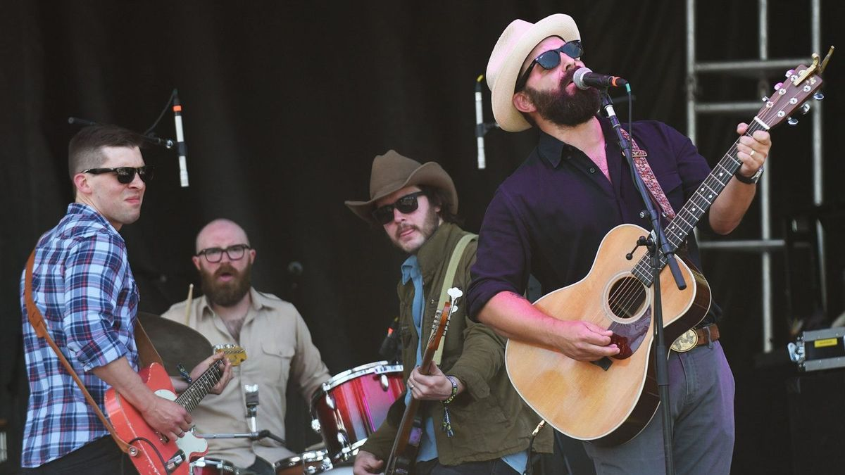 Drew Holcomb And The Neighbors On Songs That Live Forever Cmt
