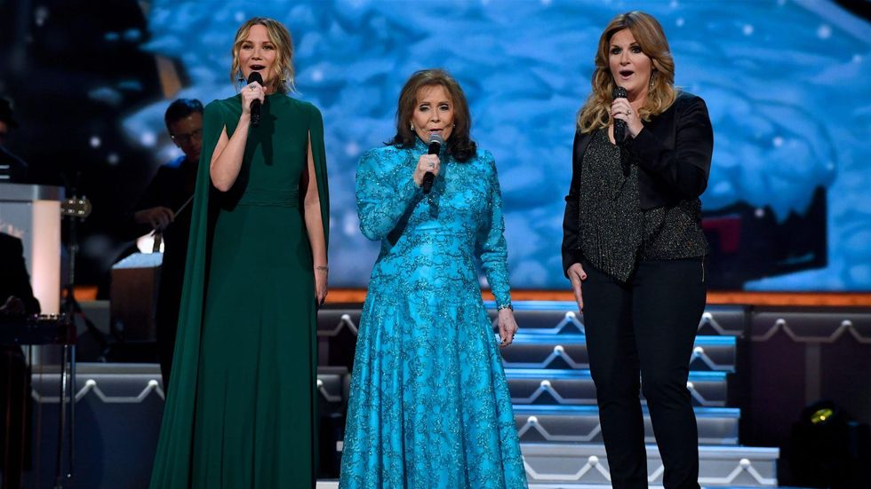 10 New Country Christmas Albums You Need Under the Tree | CMT