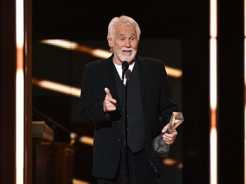 """Kenny Rogers Has Been Everyone's """"Sweet Music Man'"""
