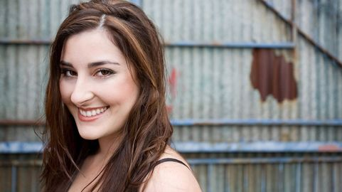 Jenny Gill Delivers Country Soul Debut With The House Sessions Cmt