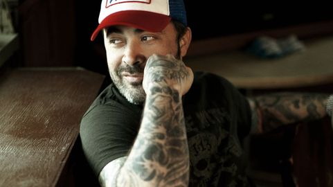 """Aaron Lewis: """"I Own the Fact That I'm Not Perfect"""" 