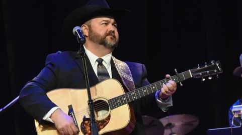 Traditional Country Singer Daryle Singletary Dead at 46 | CMT