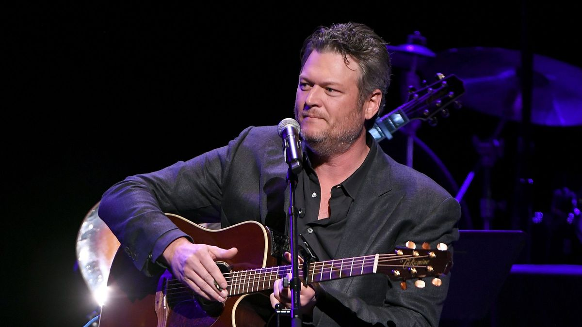 Blake Shelton Goes Behind the Scenes with His Gunslinger | CMT