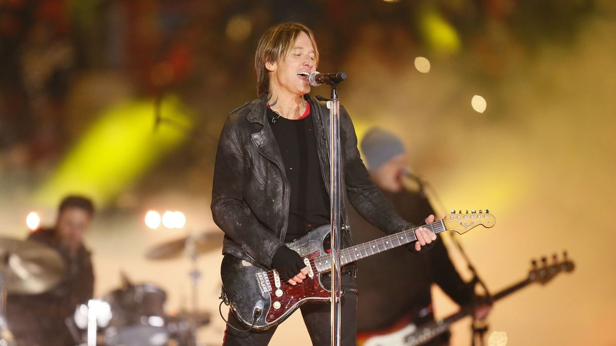 In His New Video Keith Urban Brings Superman To Life Cmt