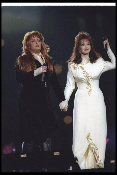 Wynonna (left) and Naomi Judd