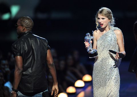 Kanye West and Taylor Swift in 2009