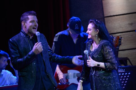 Ty Herndon, Crystal Gayle