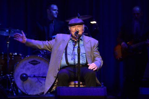 Roy Clark performs during the 9th Annual ACM Honors at the Ryman Auditorium on September 1, 2015 in Nashville, Tennessee.  (Photo by John Shearer/Getty Images for ACM)