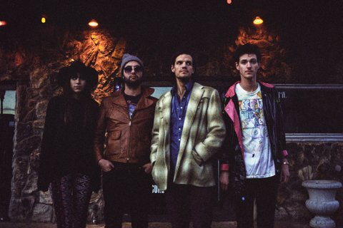 -images-uploads-gallery-houndmouth-129_hi_res_jpg