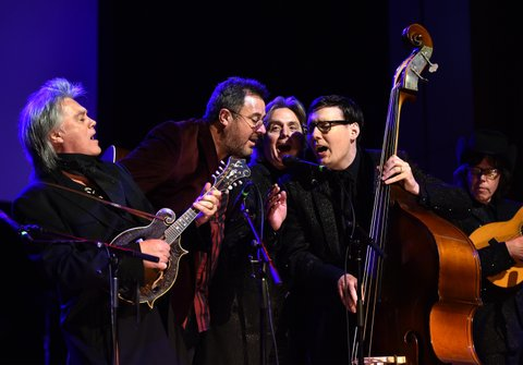 NASHVILLE, TN - OCTOBER 25:  Recording artists Marty Stuart, Vince Gill, and Chris Scruggs perform onstage during The Country Music Hall of Fame 2015 Medallion Ceremony at the Country Music Hall of Fame and Museum on October 25, 2015 in Nashville, Tennessee.  (Photo by John Shearer/Getty Images for CMHOF)