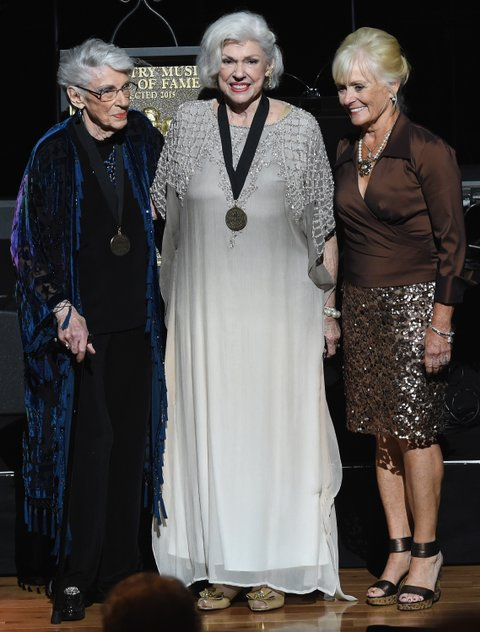 NASHVILLE, TN - OCTOBER 25:  Inductees Jim Ed Brown and The Browns, Sisters Maxine Brown and Bonnie Brown with Becky Brown ( Jim Ed's Wife) during The Country Music Hall of Fame 2015 Medallion Ceremony at the Country Music Hall of Fame and Museum on October 25, 2015 in Nashville, Tennessee.  (Photo by Rick Diamond/Getty Images for CMHOF)