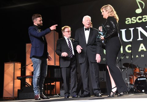 NASHVILLE, TN - NOVEMBER 02: Singer-songwriter Justin Timberlake, ASCAP President and Chairman of the Board Paul Williams, President Jimmy Carter, and singer Trisha Yearwood attend the 53rd annual ASCAP Country Music awards at the Omni Hotel on November 2, 2015 in Nashville, Tennessee.  (Photo by Michael Loccisano/Getty Images)