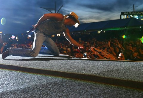LAS VEGAS, NEVADA - APRIL 03:  Singer-songwriter Kenny Chesney performs onstage during the 4th ACM Party For A Cause Festival at the Las Vegas Festival Grounds on April 3, 2016 in Las Vegas, Nevada.  (Photo by Mark Davis/Getty Images for ACM)