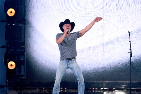 LAS VEGAS, NEVADA - APRIL 03: Recording artist Kenny Chesney performs onstage during the 51st Academy of Country Music Awards at MGM Grand Garden Arena on April 3, 2016 in Las Vegas, Nevada.