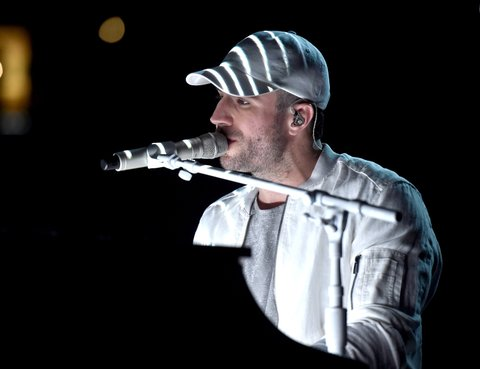 LAS VEGAS, NEVADA - APRIL 03: Recording artist Sam Hunt performs onstage during the 51st Academy of Country Music Awards at MGM Grand Garden Arena on April 3, 2016 in Las Vegas, Nevada.