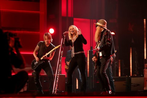 LAS VEGAS, NEVADA - APRIL 03: (L-R) Musicians Keith Urban, Miranda Lambert and Billy Gibbons perform onstage during the 51st Academy of Country Music Awards at MGM Grand Garden Arena on April 3, 2016 in Las Vegas, Nevada. (Photo by Christopher Polk/ACM2016/Getty Images for dcp)