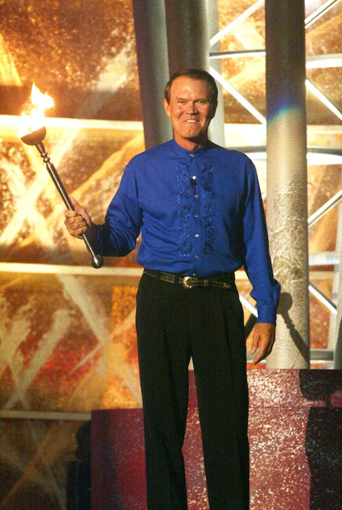 Glen Campbell during the first ever CMT Flameworthy Video Music Awards at the Gaylord Entertainment Center in Nashville, Tennesee. 6/12/02 Photo by Scott Gries/Getty Images