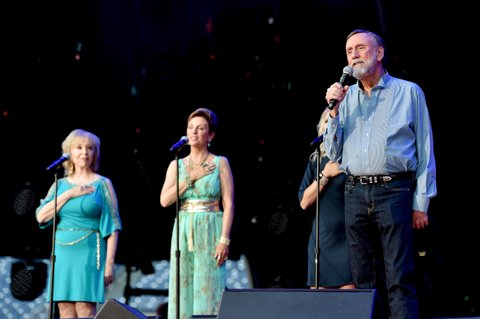 NASHVILLE, TN - JUNE 12:  Singer-songwriter Ray Stevens performs onstage during 2016 CMA Festival - Day 4 at Nissan Stadium on June 12, 2016 in Nashville, Tennessee.  (Photo by John Shearer/Getty Images)