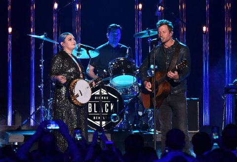 NASHVILLE, TN - JUNE 08: Musician Elle King and singer Dierks Bentley perform onstage during the 2016 CMT Music awards at the Bridgestone Arena on June 8, 2016 in Nashville, Tennessee. (Photo by Mike Coppola/Getty Images for CMT)