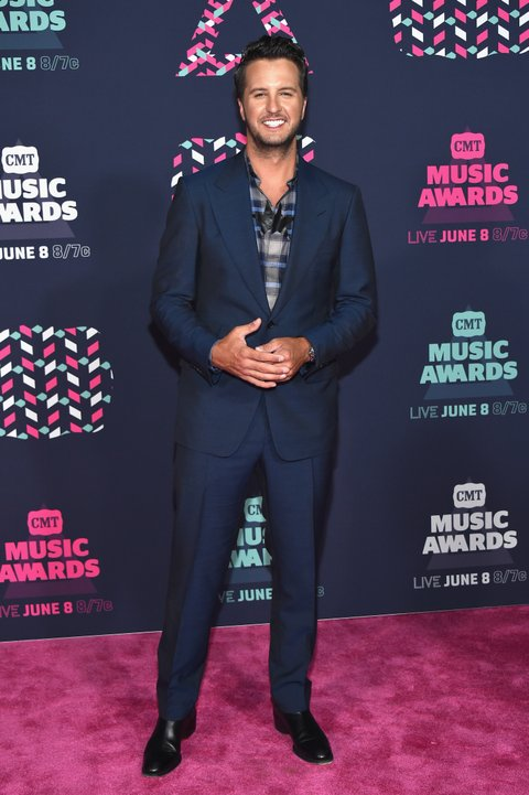 NASHVILLE, TN - JUNE 08: Singer-songwriter Luke Bryan attends the 2016 CMT Music awards at the Bridgestone Arena on June 8, 2016 in Nashville, Tennessee. (Photo by Mike Coppola/Getty Images for CMT)