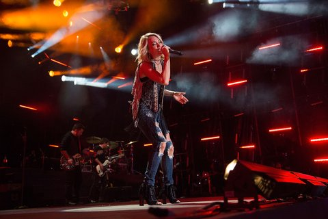 NASHVILLE, TN - JUNE 10:  Carrie Underwood performs at Nissan Stadium on June 10, 2016 in Nashville, Tennessee.  (Photo by Frederick Breedon IV/FilmMagic)