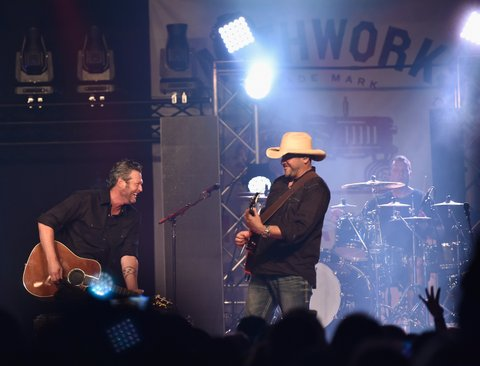 GRAIN VALLEY, MO - JULY 27:  Recording artist Blake Shelton surprised Smithworks fans with a pop-up performance at Whiskey Tango on July 27, 2016 in Grain Valley, Missouri.  (Photo by Fernando Leon/Getty Images for Pernod Ricard)