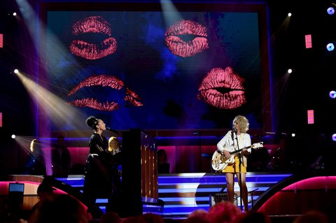 NASHVILLE, TN - AUGUST 30: Musical artist Alicia Keys and singer Cam perform onstage during the 10th Annual ACM Honors at the Ryman Auditorium on August 30, 2016 in Nashville, Tennessee.  (Photo by John Shearer/Getty Images for ACM)