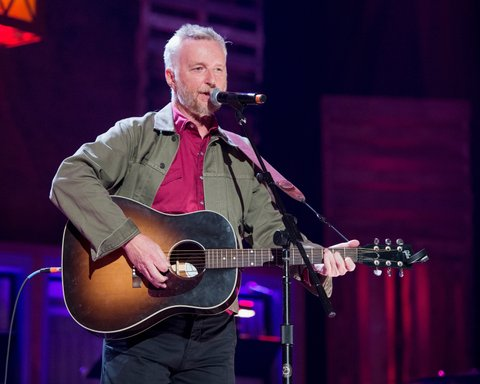 NASHVILLE, TN - SEPTEMBER 21:  Billy Bragg performs at Ryman Auditorium on September 21, 2016 in Nashville, Tennessee.  (Photo by Erika Goldring/WireImage)