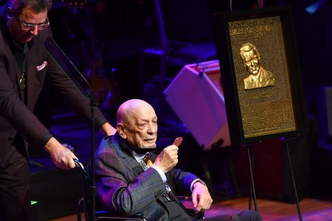 NASHVILLE, TN - OCTOBER 16:  Fred Foster is inducted into the Country Music Hall of Fame by Vince Gill and CMHOF CEO Kyle Young during the 2016 Medallion Ceremony at Country Music Hall of Fame and Museum on October 16, 2016 in Nashville, Tennessee.  (Photo by Jason Davis/Getty Images for Country Music Hall of Fame & Museum )