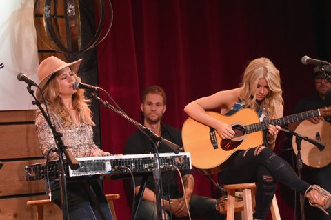 NASHVILLE, TN - NOVEMBER 01: (L-R) Singer-songwriter Lucie Silvas and Lindsay Ell perform onstage during CMT's Next Women of Country on November 1, 2016 in Nashville, Tennessee.  (Photo by Rick Diamond/Getty Images for CMT)