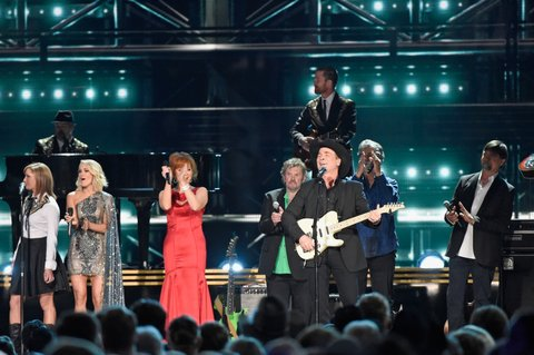 NASHVILLE, TN - NOVEMBER 02:  Carrie Underwood, Reba McEntire, Jeff Cook, Clint Black, Randy Owen, and Teddy Gentry perform onstage at the 50th annual CMA Awards at the Bridgestone Arena on November 2, 2016 in Nashville, Tennessee.  (Photo by Gustavo Caballero/Getty Images)