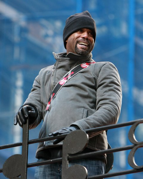 NEW YORK - NOVEMBER 27:  Darius Rucker attends the 82nd Annual Macy's Thanksgiving Day Parade on the streets of Manhattan on November 27, 2008 in New York City. (Photo by Mike Coppola/FilmMagic)