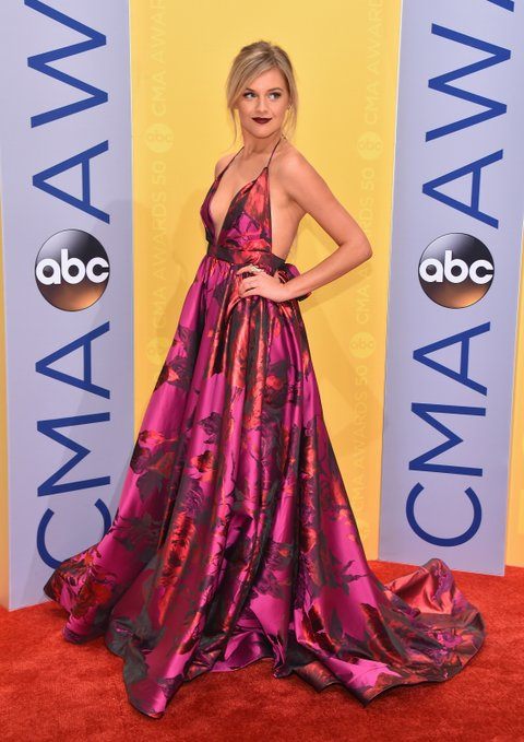 NASHVILLE, TN - NOVEMBER 02:  Singer-songwriter Kelsea Ballerini attends the 50th annual CMA Awards at the Bridgestone Arena on November 2, 2016 in Nashville, Tennessee.  (Photo by Michael Loccisano/Getty Images)