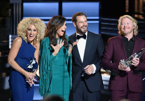 NASHVILLE, TN - NOVEMBER 02:  Kimberly Schlapman, Karen Fairchild, Jimi Westbrook and Philip Sweet of Little Big Town accept an award onstage at the 50th annual CMA Awards at the Bridgestone Arena on November 2, 2016 in Nashville, Tennessee.  (Photo by Erika Goldring/FilmMagic)