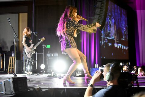NASHVILLE, TN - FEBRUARY 24:  Maren Morris performs onstage at New Faces of Country Music Dinner & Performance - Sponsored by ACM & St. Jude Children's Research Hospital   Performances Powered by Live Nation during CRS 2017 - Day 3 on February 24, 2017 in Nashville, Tennessee.  (Photo by Jason Davis/Getty Images for CRS)