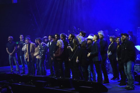 NASHVILLE, TN - FEBRUARY 08:  Randy Travis leads the grand finale at 1 Night. 1 Place. 1 Time: A Heroes & Friends Tribute to Randy Travis at Bridgestone Arena on February 8, 2017 in Nashville, Tennessee.  (Photo by Rick Diamond/Getty Images for Outback Concerts)